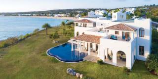 Private pool villas at Belmond La Samanna
