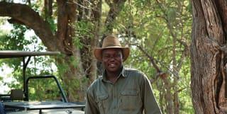 guided safari okavango delta botswana