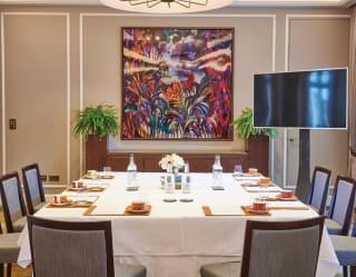 oscar lillie board meeting room