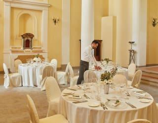 Interni di una location per matrimoni