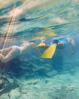 Mergulho com snorkel nos cenotes da península de Yutacan, México