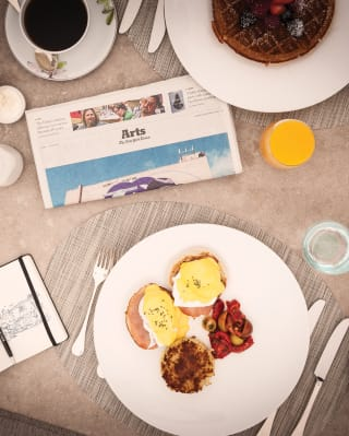 Restaurant breakfast setting