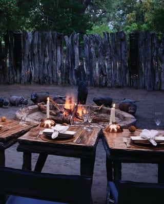 Jantar na Boma de Mothupi no Safári em Botswana