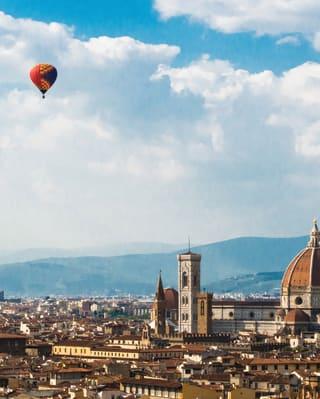La vista di Firenze con il cielo azzurro